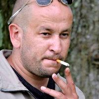 Raymond Luboulidor, anciennement connu sous le luboblaze d'Alexandrus Bacchus.